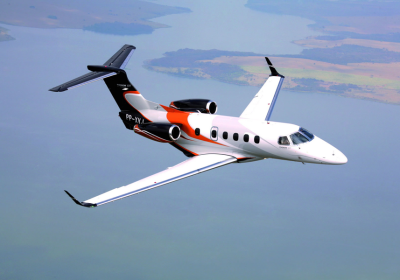 embraer phenom 300E, phenom 300 in flight